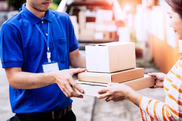 Lizenzierte Verpackungen beim Versand