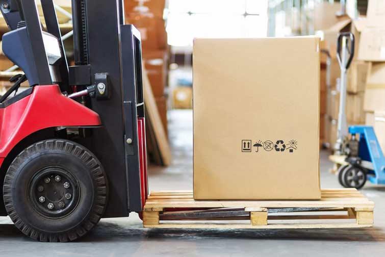 Großes Paket als Sperrgut verpackt