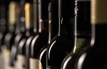 Weinflaschen für Transport in Kartonage