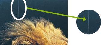 Feine Kratzer auf einer homogenen Fläche
