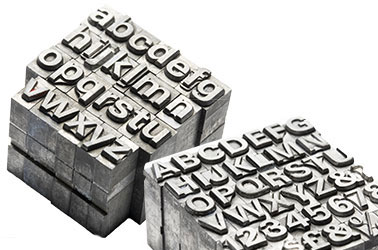 alte Letterpress Buchstaben, Alphabet und Zahlen